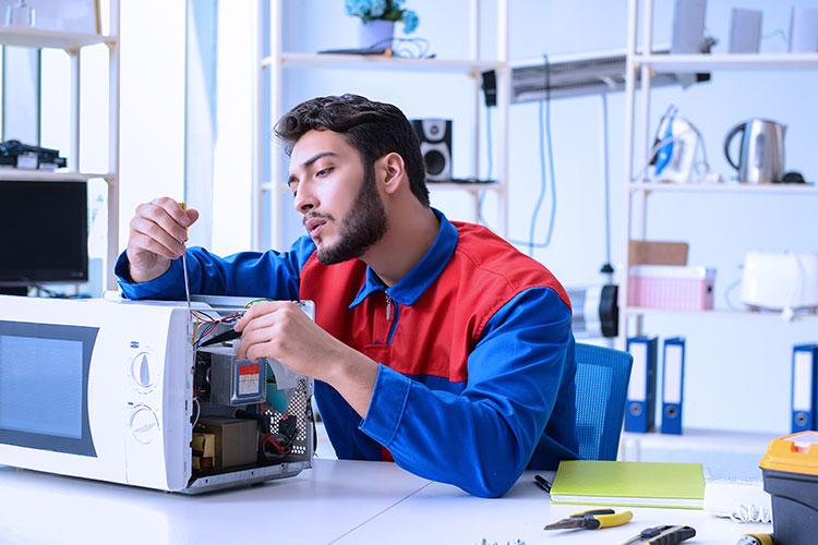 Microwave repair services in Dubai